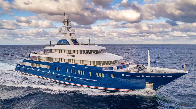 BELLA VITA, sube a bordo de este espectacular súperyate que ahora puedes alquilar por ?650.000 la semana