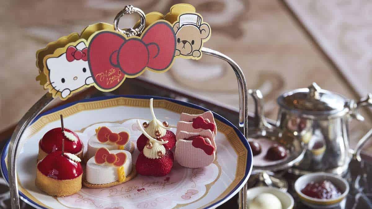 Hello Kitty y el clásico Oso de The Peninsula se encuentran en la 'Gran Dama' de Hong Kong