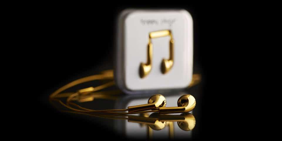 Happy Plugs Deluxe Edition por Goldgenie
