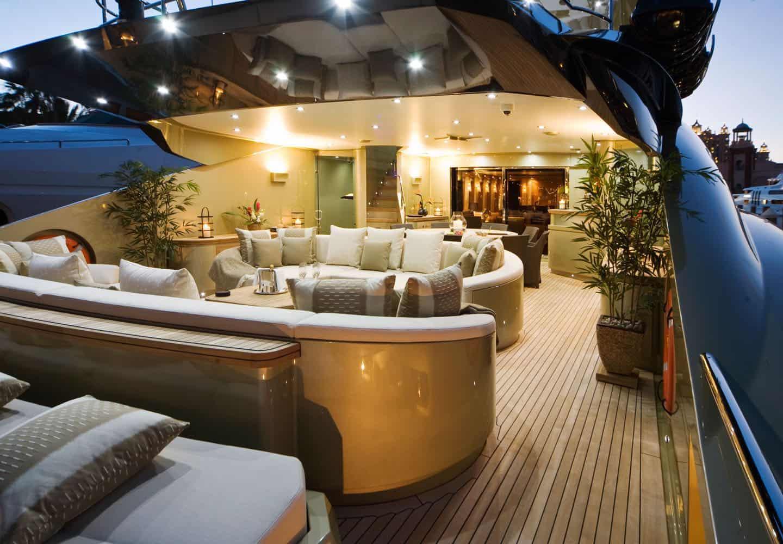 Flota privada de lujosos yates Palmer Johnson disponibles para alquiler