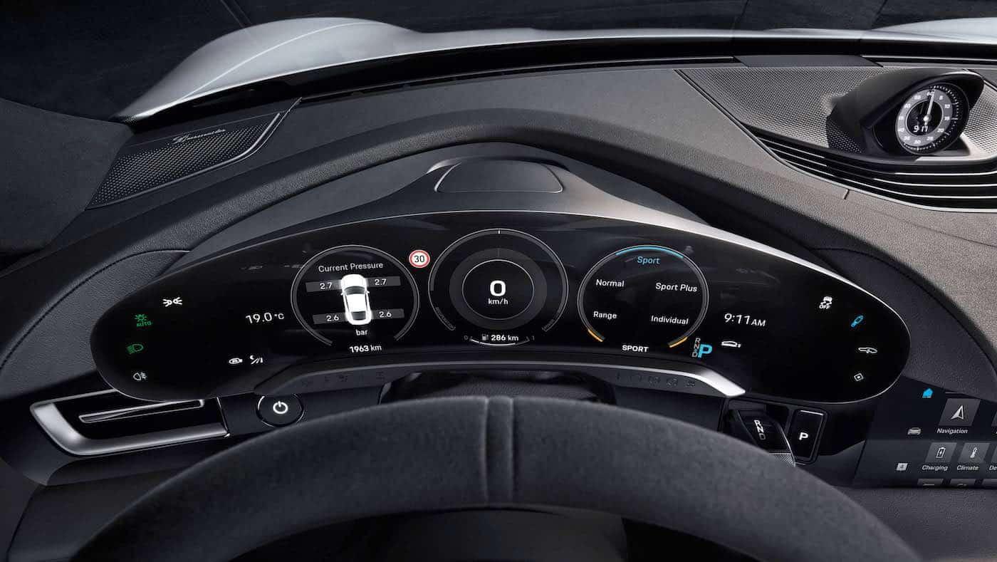 Interior del nuevo Porsche Taycan: digital, minimalista y sostenible