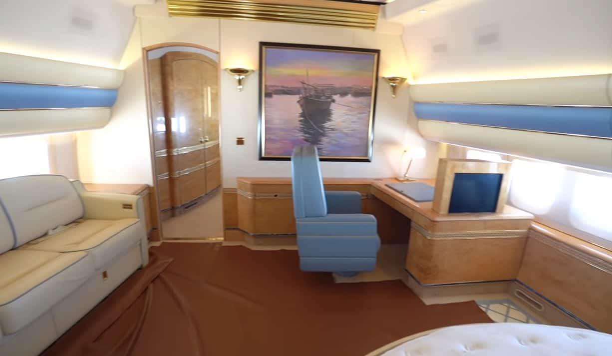 Sam Chui vuela en este jet privado Boeing 747-8 expropiedad de la familia real de Qatar