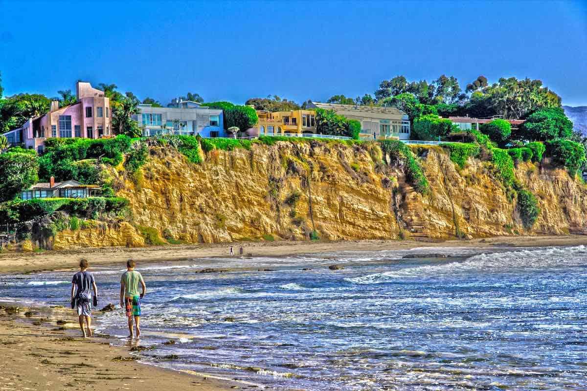 Casas frente a la playa en Malibú, California