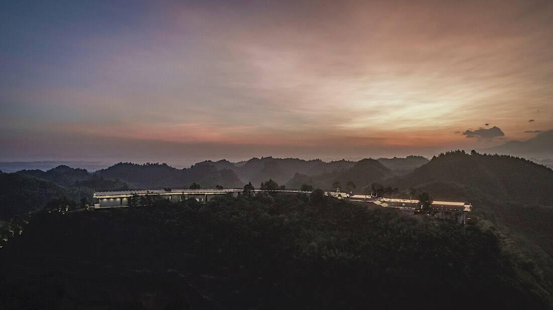 Lujoso hotel Eagle Rock Cliffs en China