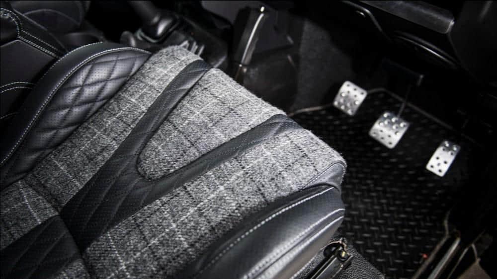 The End – Land Rover Defender 4×4 por Kahn Design