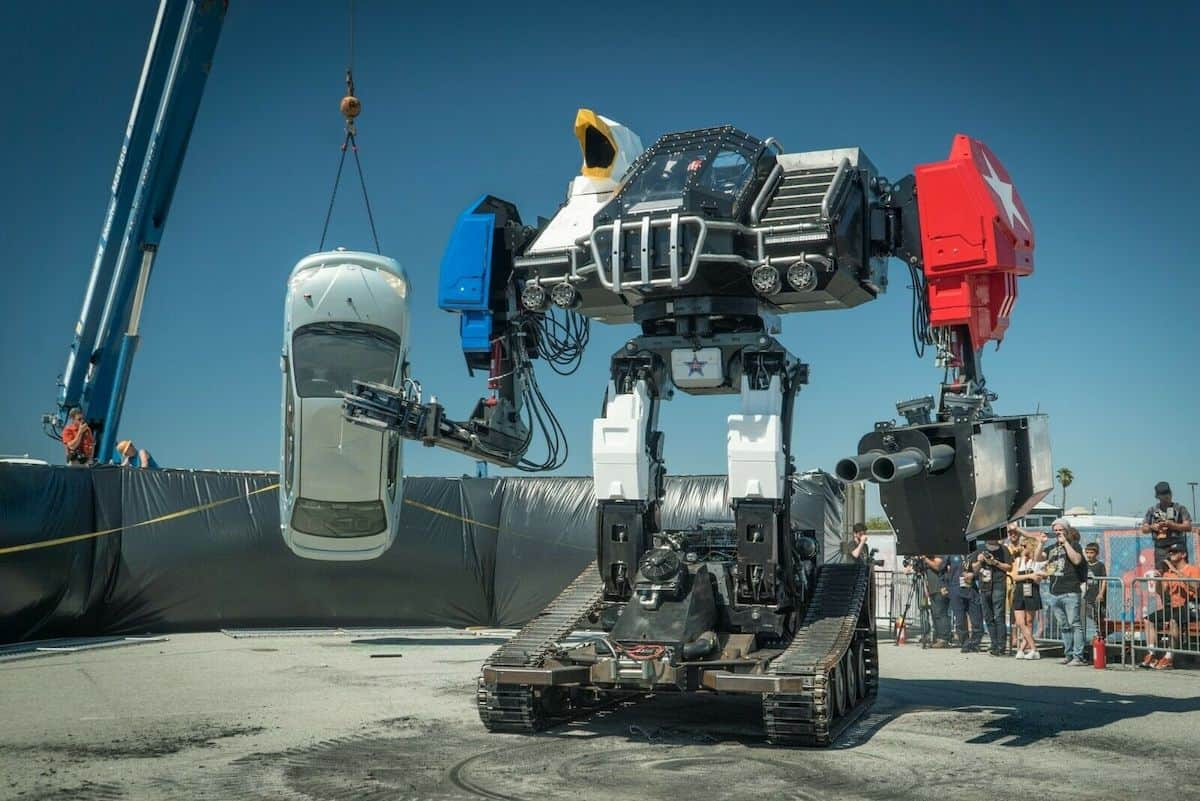 Alguien acaba de vender este enorme robot de combate de 16 pies de alto en eBay