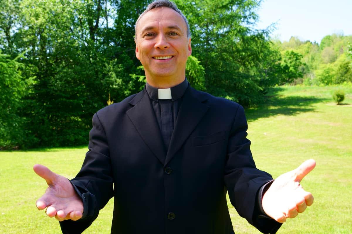 Pastor católico