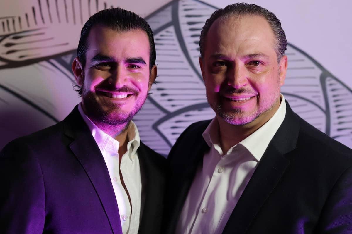 Adrián Armas, director de operaciones, y Antonio Hauad, director general de Grupo Camaleón.