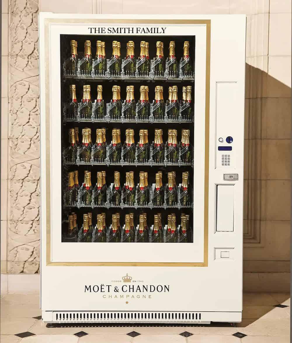 Libro de Navidad de Neiman Marcus 2019: Máquina expendedora Moët & Chandon