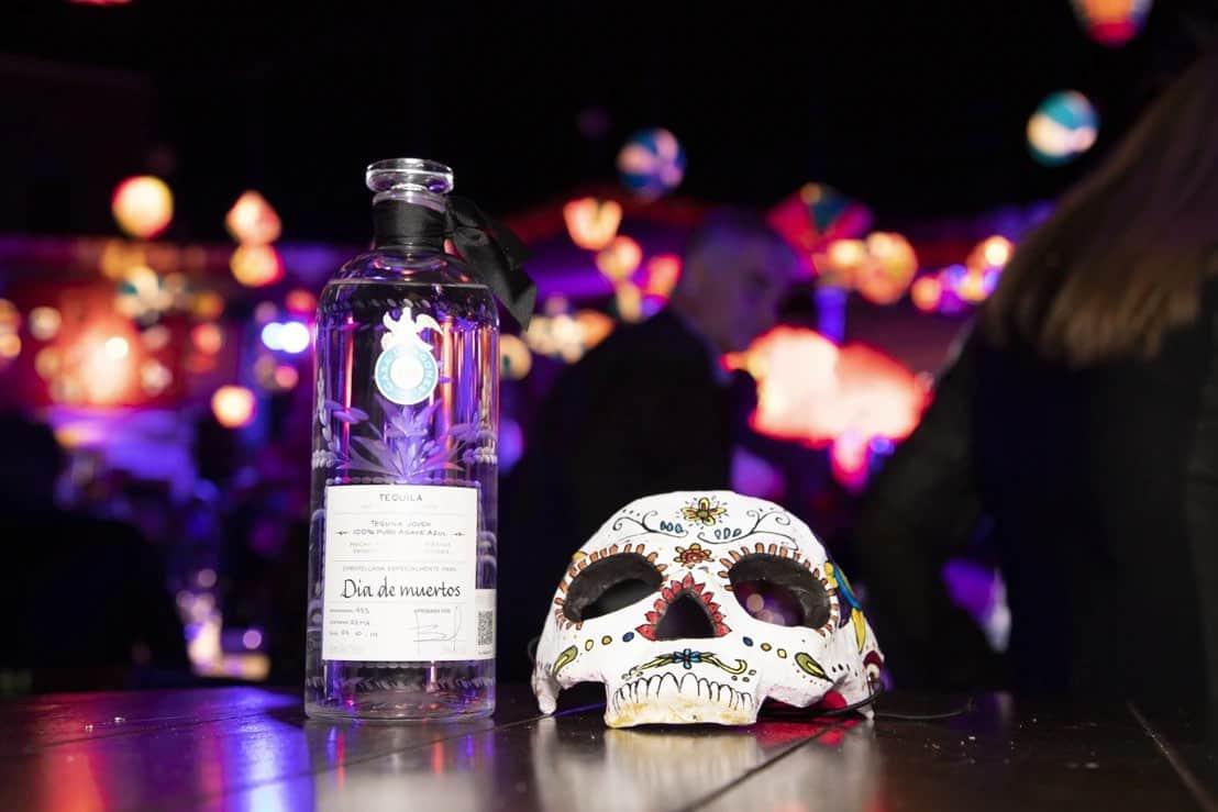 Tequila Casa Dragones celebró su décimo aniversario durante el Día de Muertos