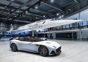 El súper coche fue encargado por el concesionario del fabricante en Bristol, Inglaterra.