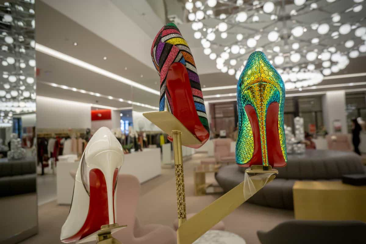 Libro de Navidad de Neiman Marcus 2019: Zapatos de alta costura Christian Louboutin