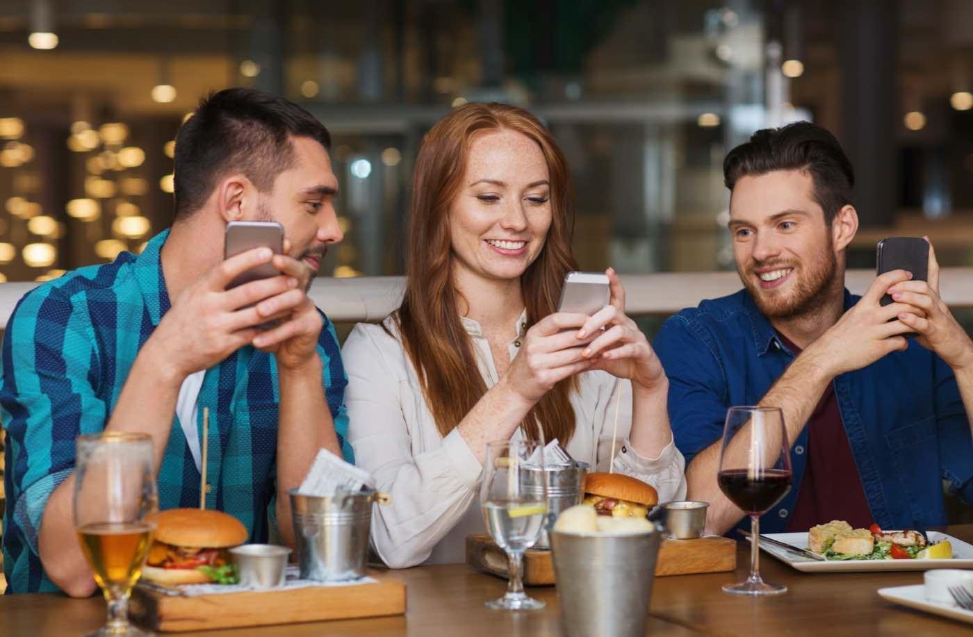 Seated, la app que te paga para salir a cenar