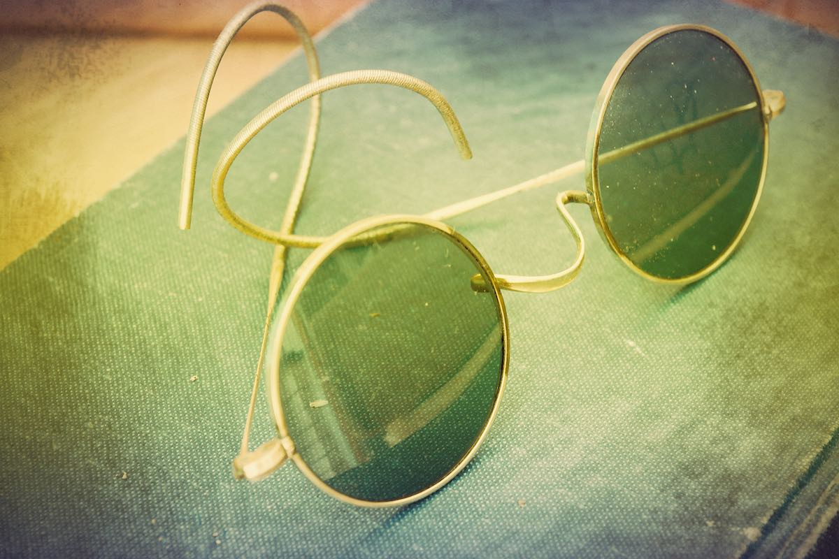 Las gafas de sol redondas de John Lennon