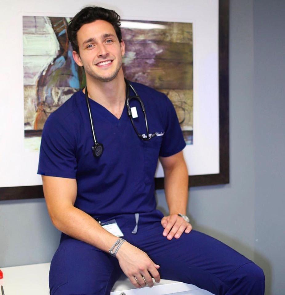 """Conozca al Dr. Mike """"-el doctor más sexy del planeta-"""""""