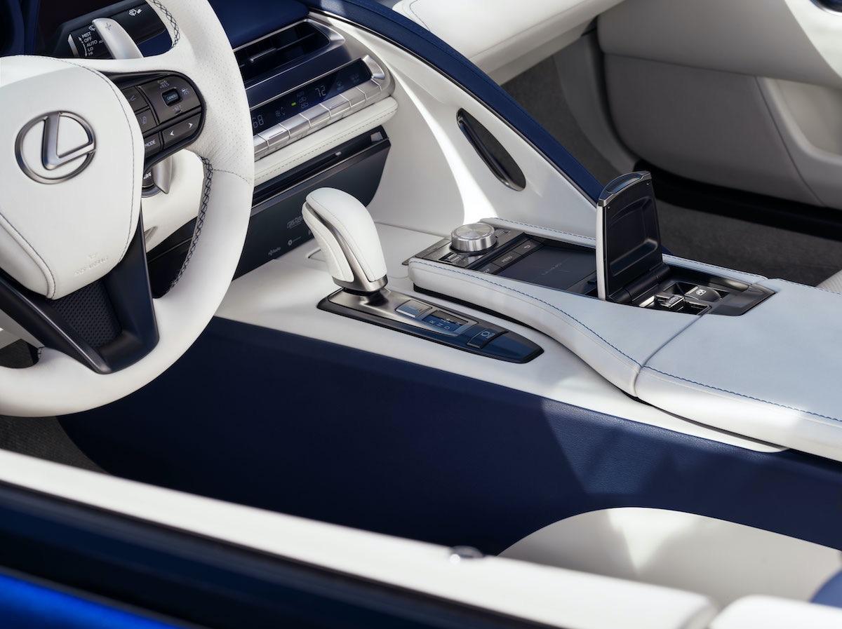 LEXUS LC 500 convertible de 2021 será vendido en una subasta de caridad Barrett-Jackson