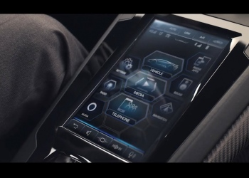 """Alexa Auto"" en el Lamborghini Huracán EVO"