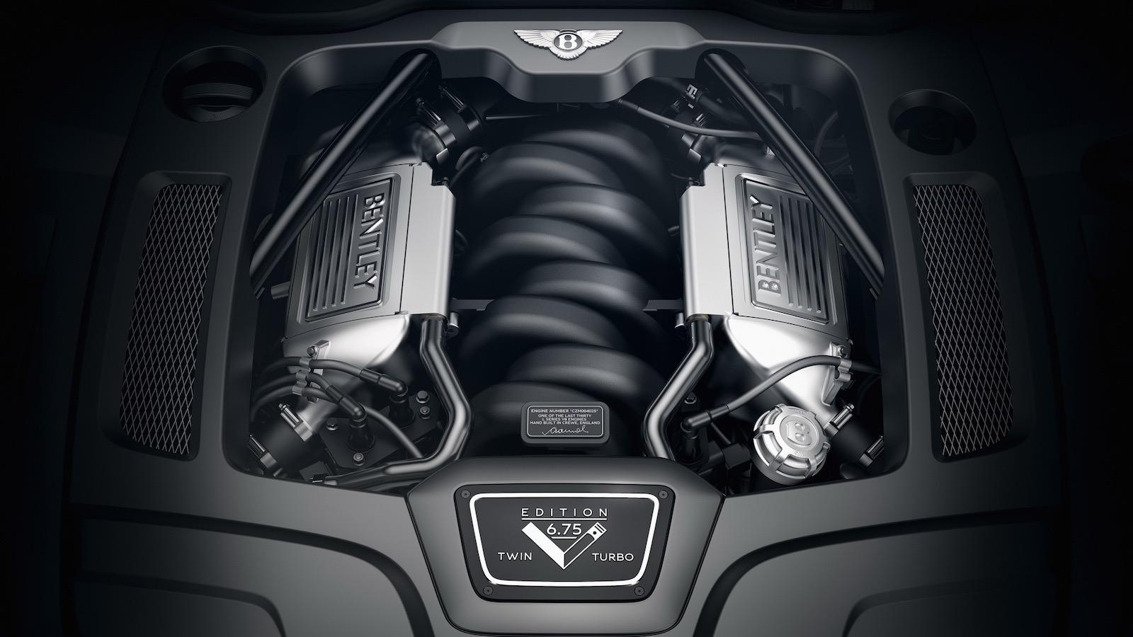 El motor V8 de 6.75 litros puede entregar 530 caballos de fuerza y 1.100 Nm de torque.
