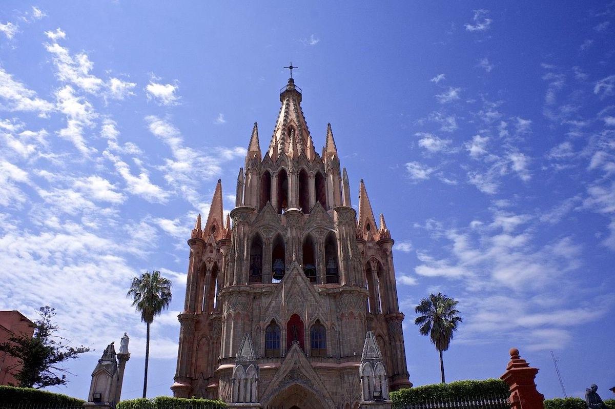 La mejor ciudad del mundo, es también la cuna espiritual e inspiración de Tequila Casa Dragones.