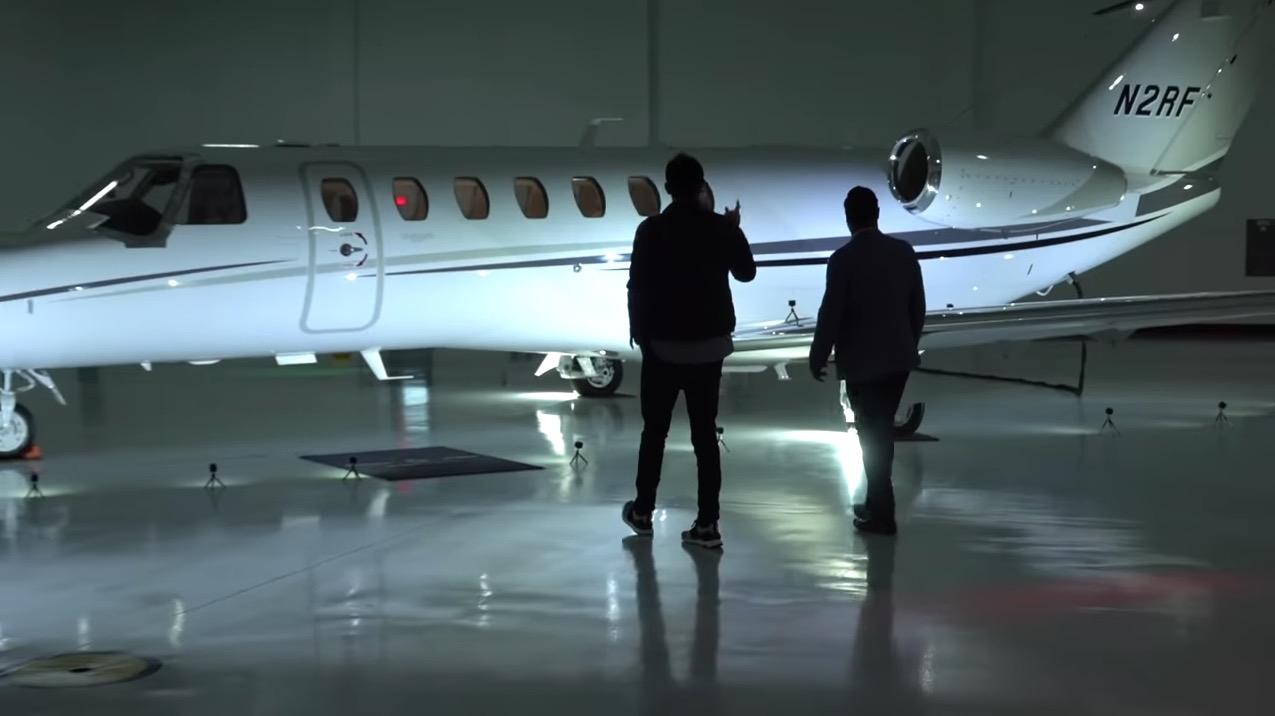 Vea el momento que él piloto YouTuber CitationMax recibe su nuevo jet privado Citation CJ3+