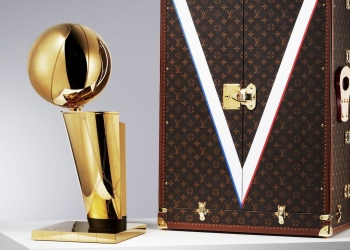 """Baúl de viaje Louis Vuitton para el """"trofeo Larry O'Brien"""" de la NBA."""