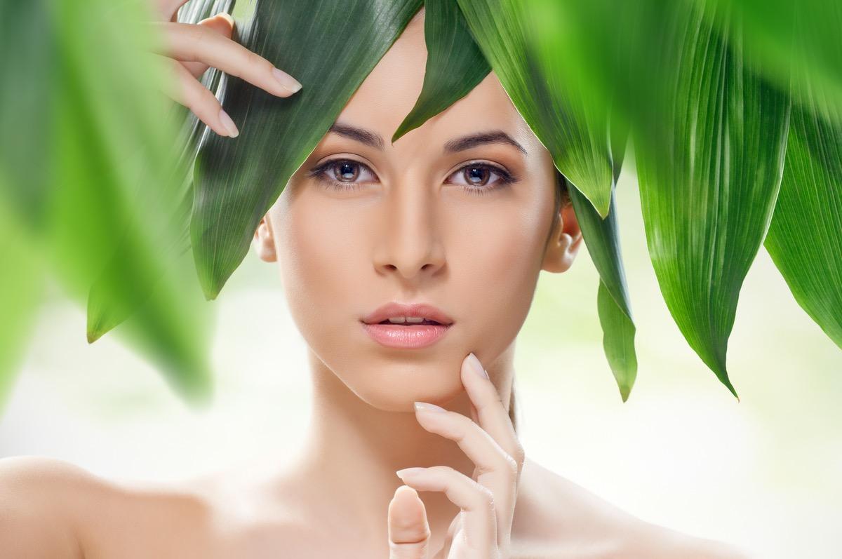 6 de las mejores marcas de cosmética natural en el mundo