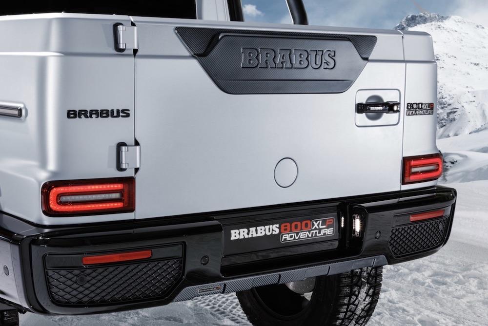 Esta camioneta de alto rendimiento tiene 800 caballos de fuerza y su propia pista de aterrizaje de drones.