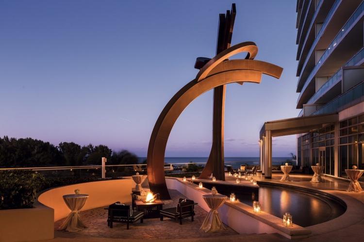Close Hauled de Guy Dill en Ritz-Carlton Bal Harbour