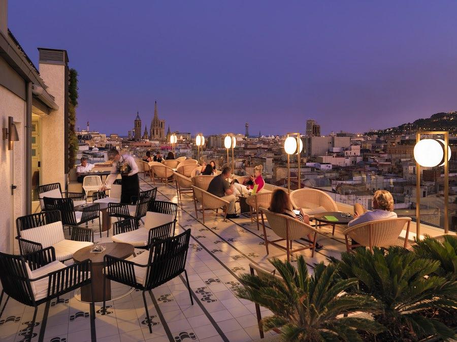 La terraza de Cubik, una combinación de vistas increíbles y cocina vanguardista