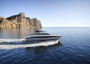Y95 de Princess Yachts: Diseñado con énfasis en el rendimiento y un estilo inspirado en las olas