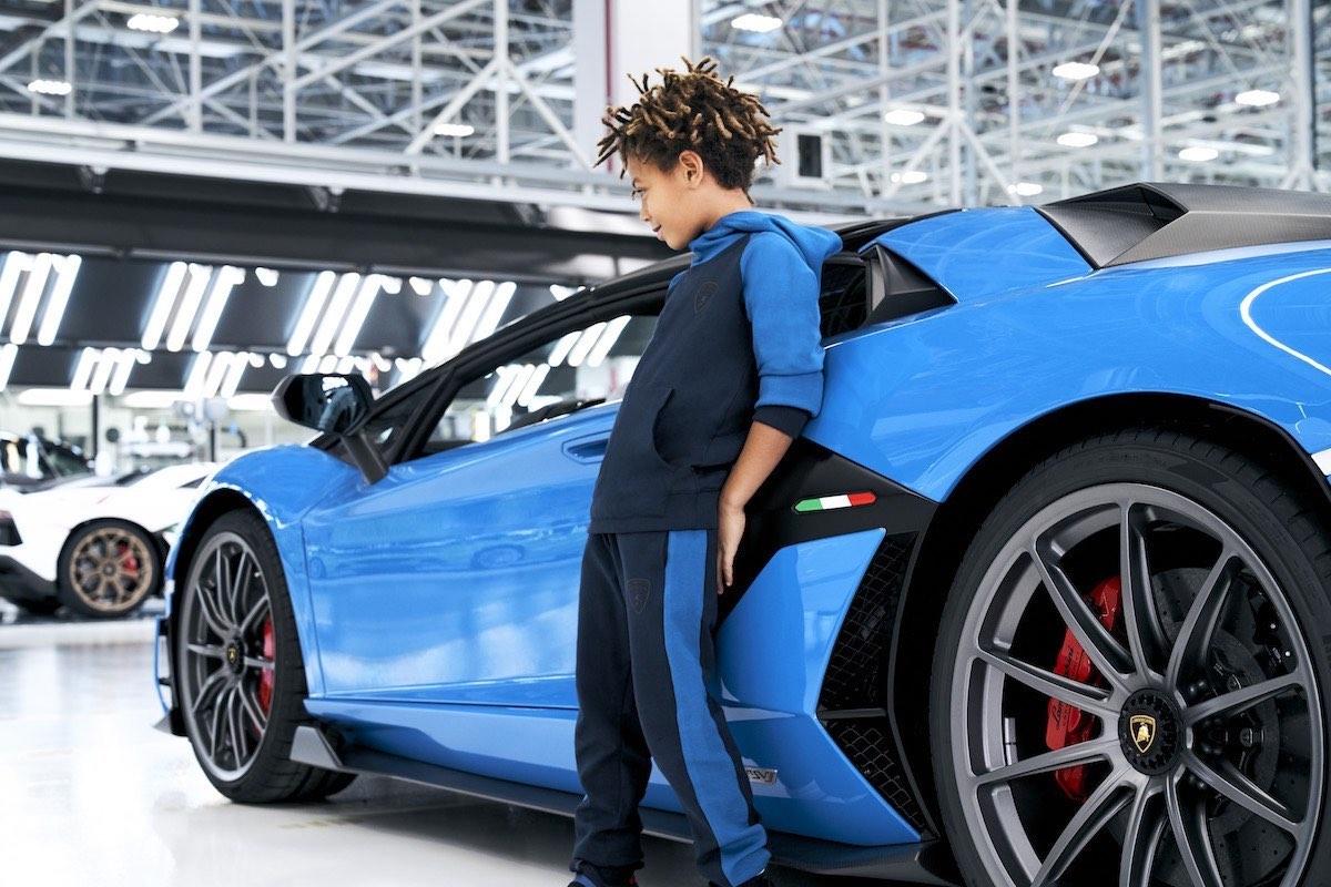 Lamborghini presentó su primera colección de ropa para niños junto a Kabooki