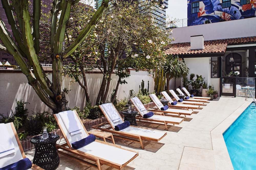 Hotel Figueroa: Celebrando 100 años para votar en el DTLA's Original Salon