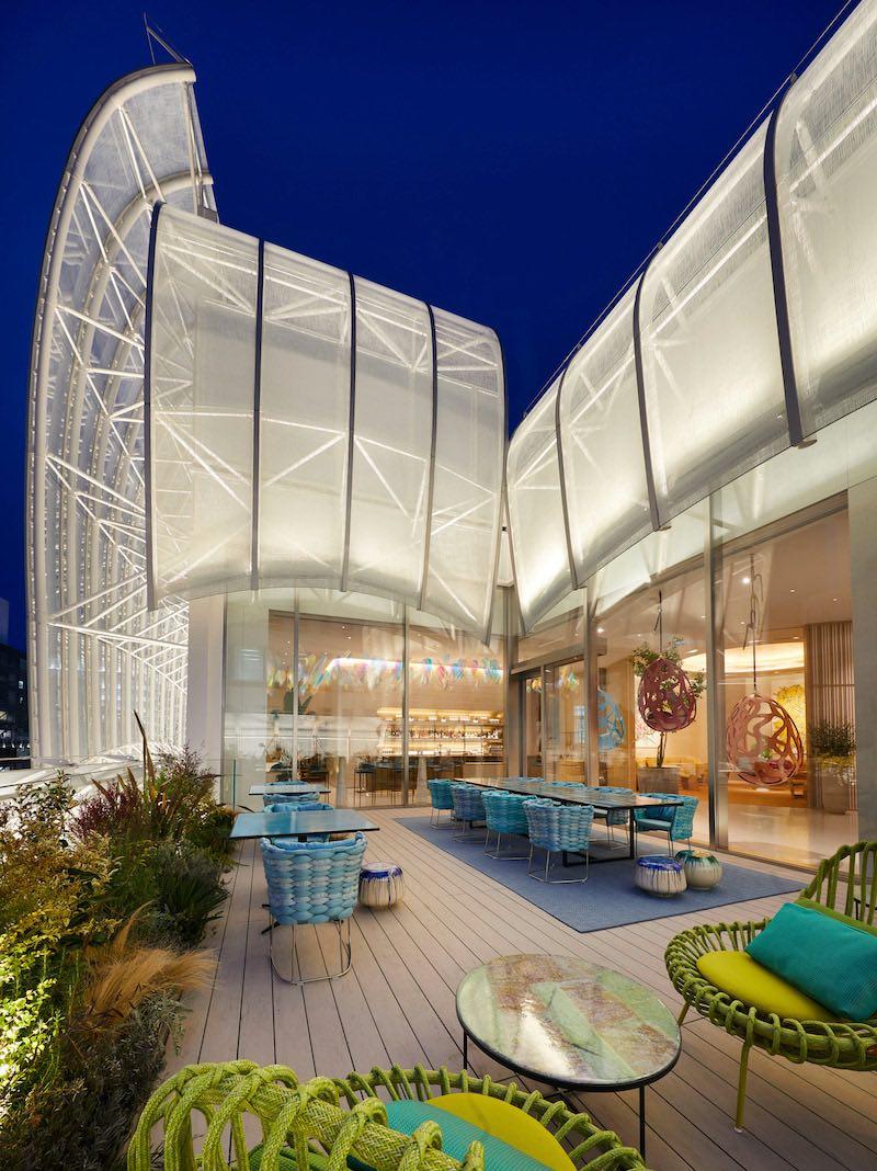 La terraza de la Maison Osaka Midosuji.