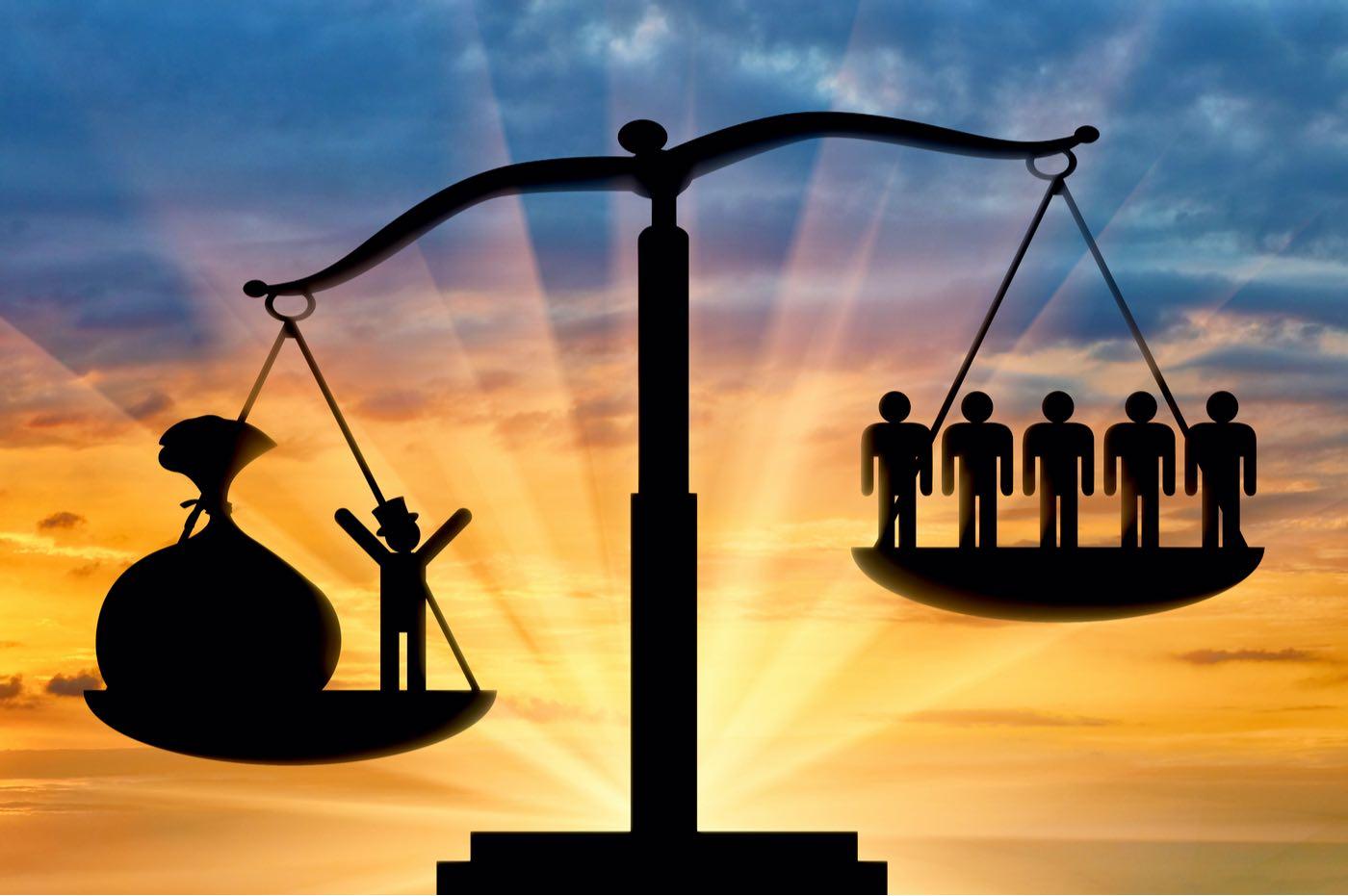 La fortuna personal de estos 8 multimillonarios representa la mitad de la riqueza de la población mundial