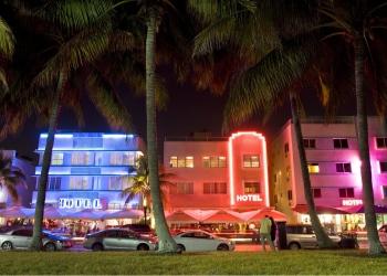 Ocean Drive, Hoteles Art Deco Style en la noche, Miami Beach