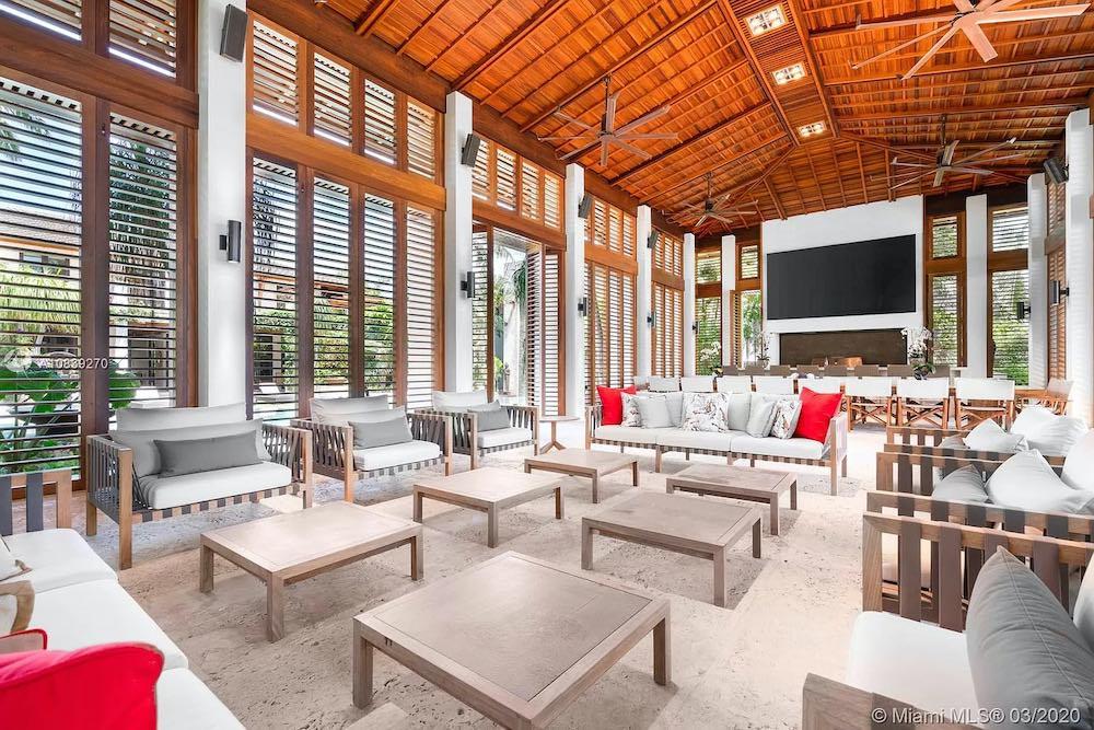 """El espectacular complejo tropical """"Villa Serena"""", puede ser tuyo por $60 millones"""