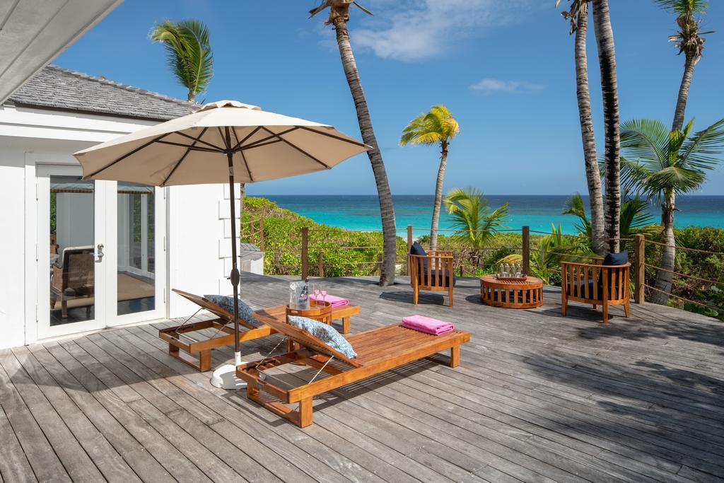 Pink Sands Resort, Las Bahamas: Los 10 resorts de playa más lujosos para estudiantes.