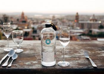 """Tequila Casa Dragones Joven, es un de los 20 productos incluidos en la Edición del 20 aniversario de la """"O List de The Oprah Magazine"""" *All time favorite things"""