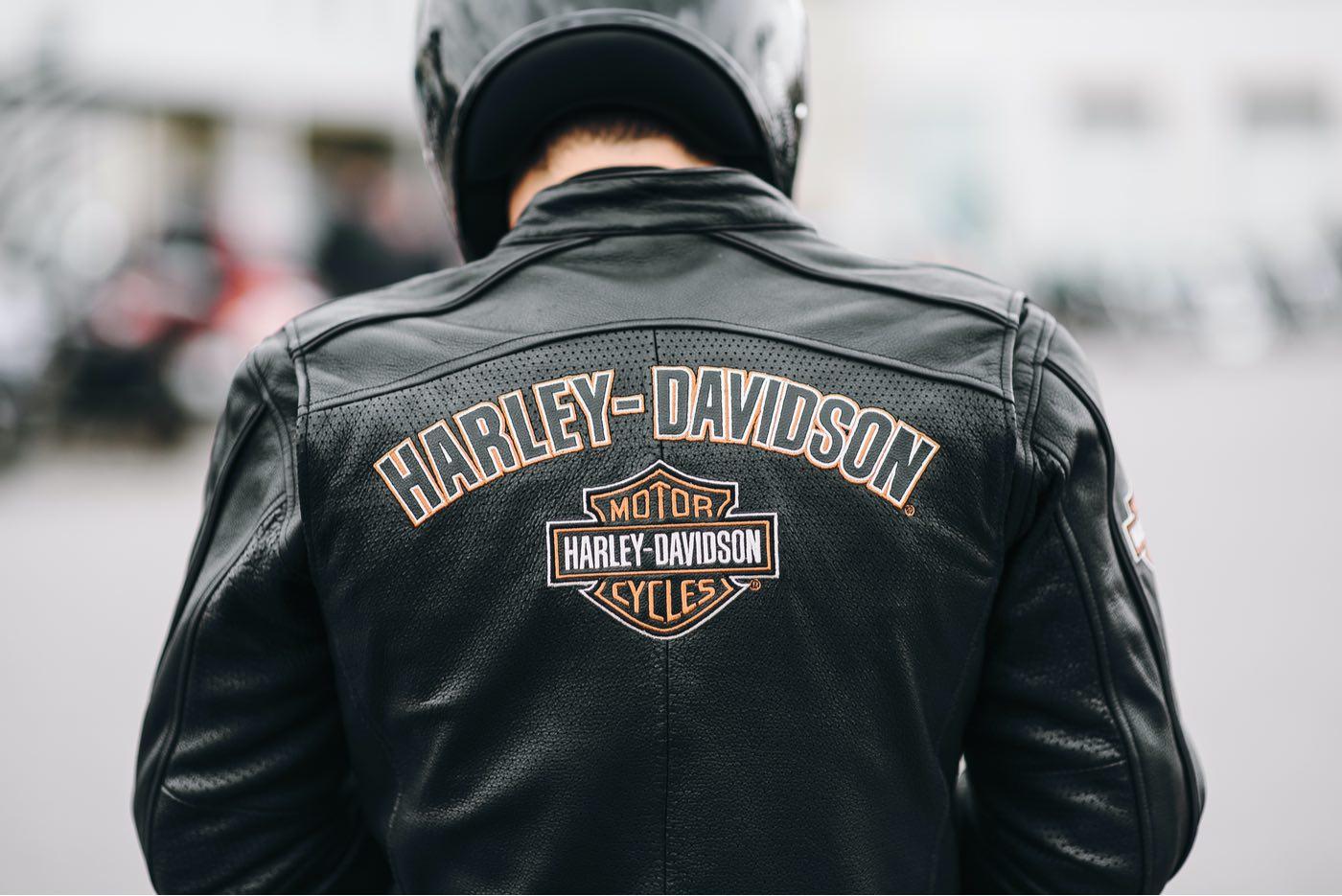 Guía de compra para elegir la chaqueta de moto perfecta.
