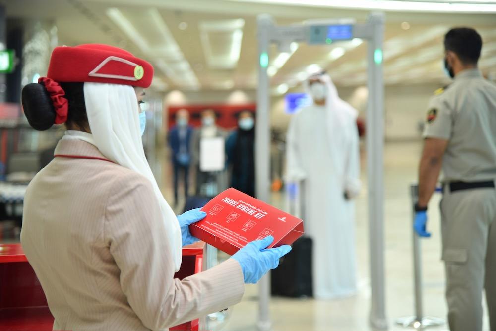 Ha introducido kits de higiene gratuitos que se entregarán a cada pasajero al registrarse en el Aeropuerto Internacional de Dubai y en los vuelos a Dubai.