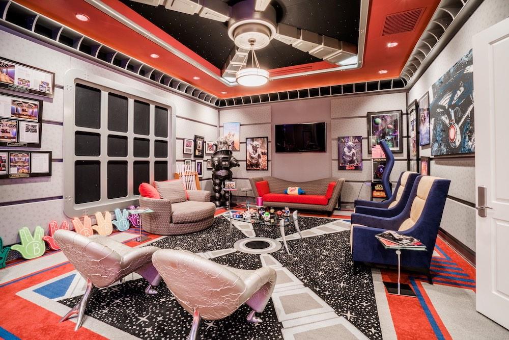 """El financista Marc Bell pone en venta su casa en Florida inspirada en """"Star Trek"""" por $19.9 millones"""