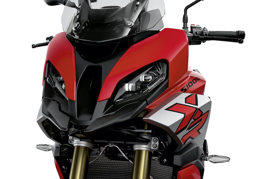 Ya está disponible para comercialización la nueva motocicleta BMW S1000XR en España