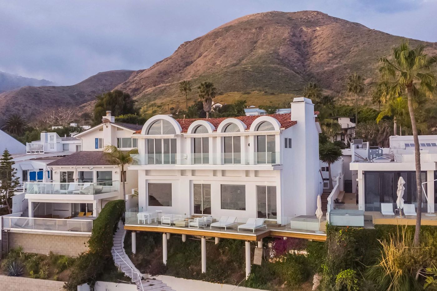 A subasta la espectacular mansión frente al mar de Malibú de las Kardashians