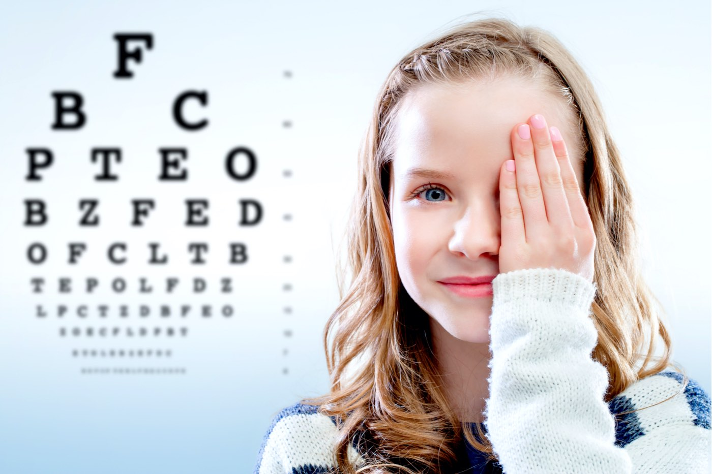 El CGCOO recomienda la regla 20-20-20 para evitar posibles problemas visuales durante el confinamiento