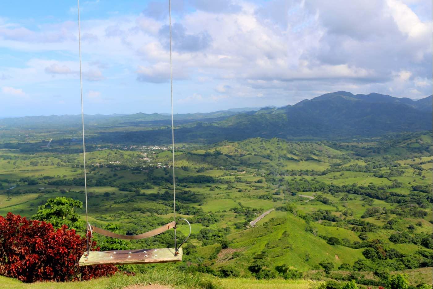 El famoso columpio de montaña Redonda en Miches, República Dominicana.