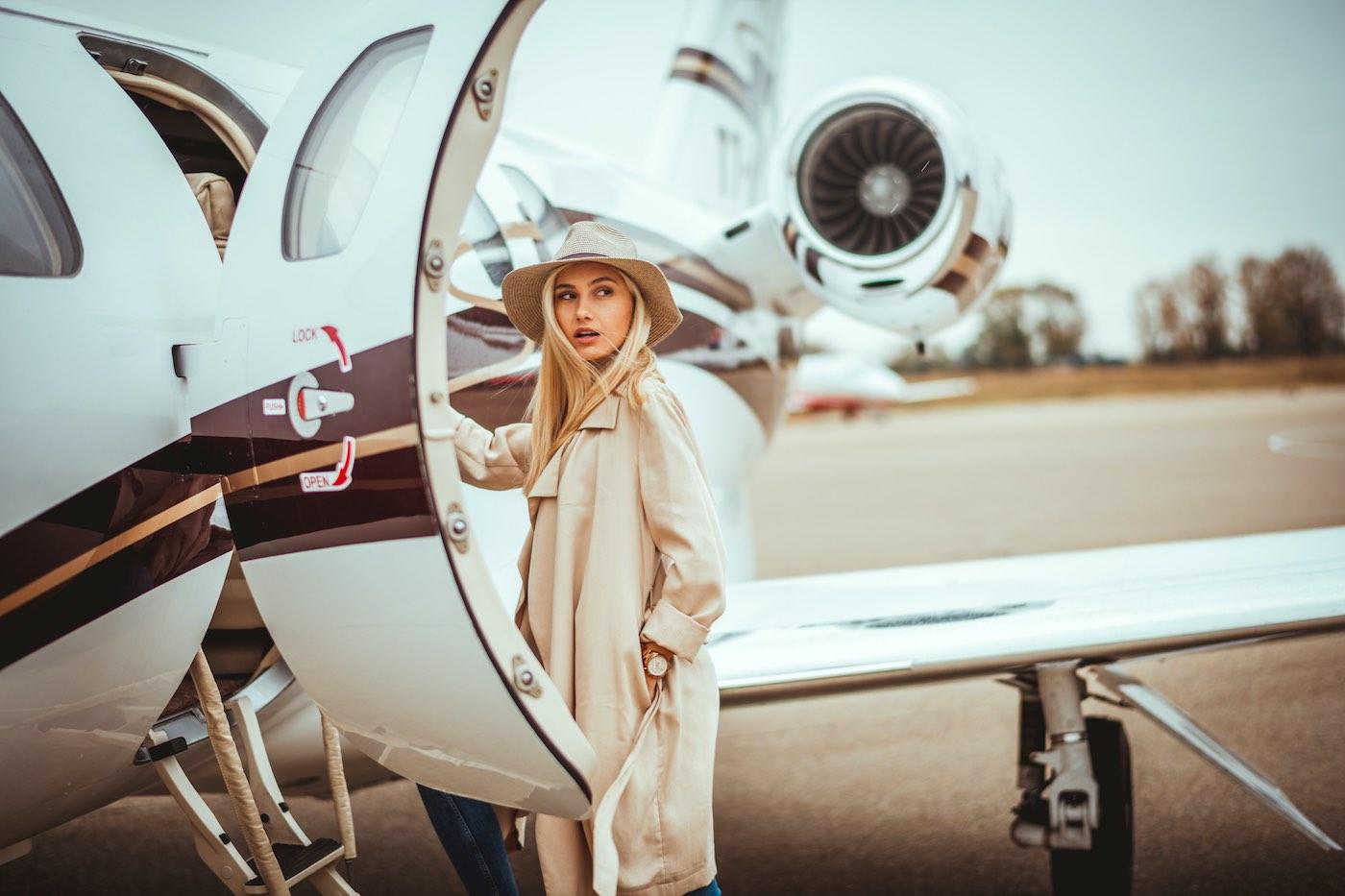 Aviones privados y alquileres de $8.000: Así escapan los mega ricos de la pandemia del coronavirus en Estados Unidos