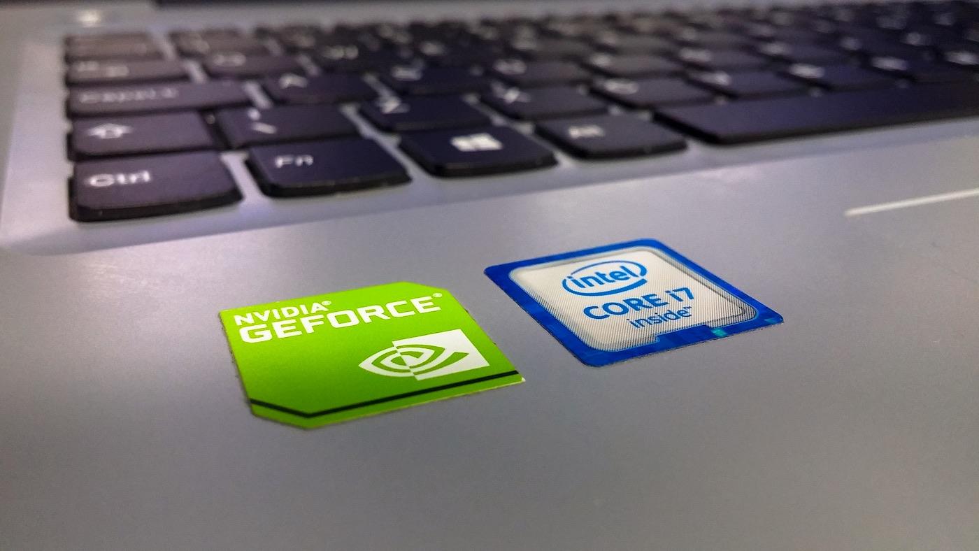 Laptop con NVIDIA e Intel