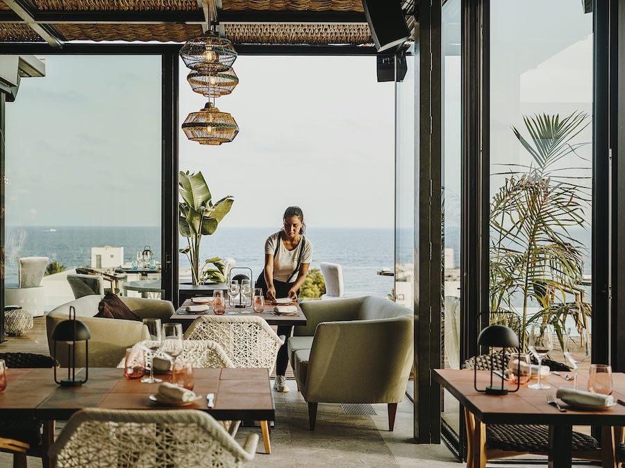 Aguas de Ibiza Grand Luxe Hotel inaugura temporada mañana 10 de julio con más habitaciones y su espectacular terraza.