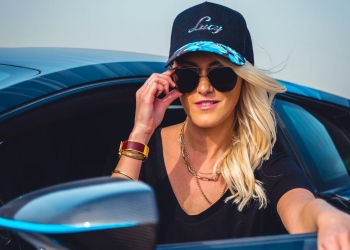 Alexandra Hirschi: Supercar Blondie