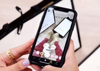 Gucci se asocia con Snapchat y permite a los usuarios probarse y comprar zapatillas virtualmente